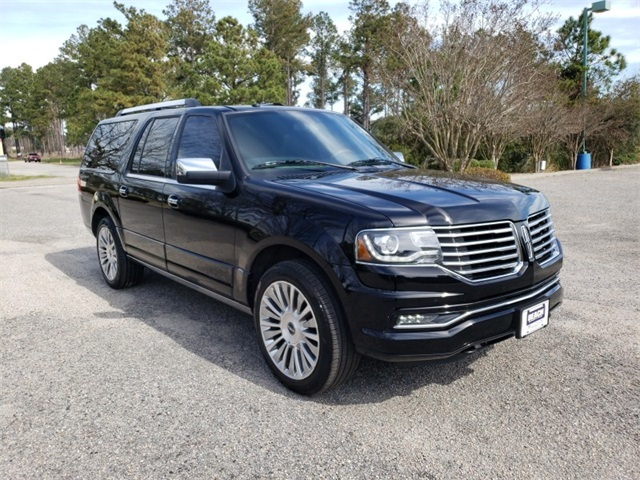 Certified Pre-Owned 2016 Lincoln Navigator L Reserve